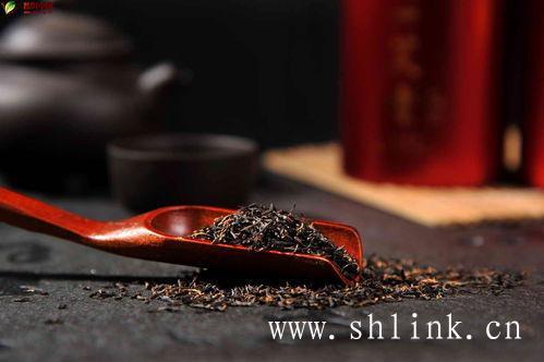 不正确的喝金骏眉茶,会引起胃病?