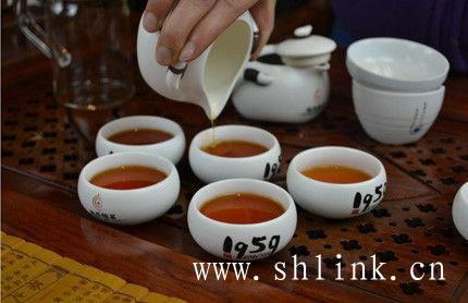 正山小种红茶,夏季喝解暑,冬季喝驱寒!