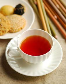 红茶的茶性是属于温的吗?