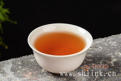 喝大量的红茶浓茶,会导致身体不适!