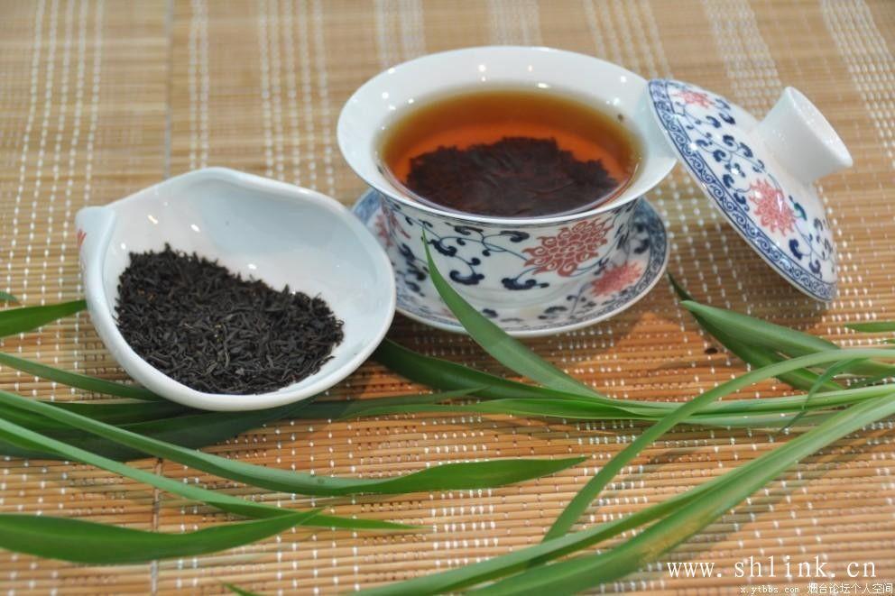 红茶的茶性温,可以达到暖胃的效果!